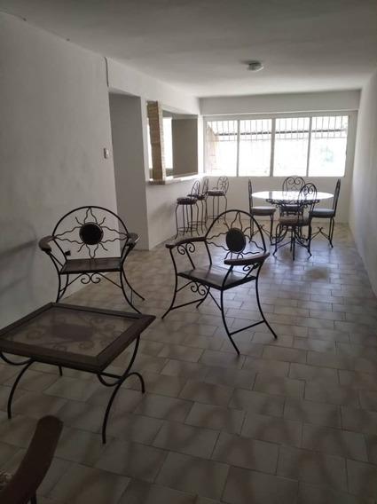 Apartamento En Alquiler Las Delicias 04243799160