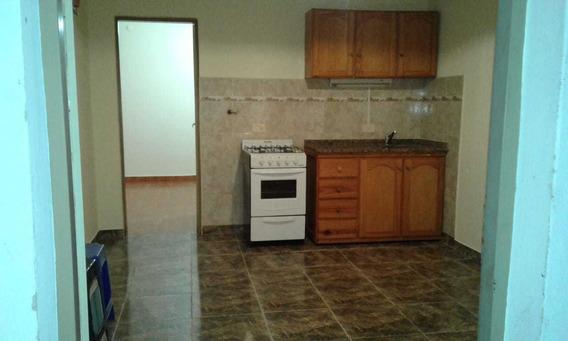 En Venta En El Palomar Ph Casa Al Fondo Nro. 2 - Dos Ambientes, Living-comedor , Cocina , Baño Y Patio F: 7259