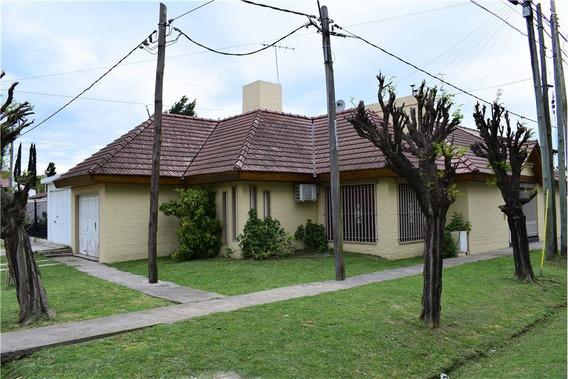 Casa En Venta 3 Dorm- Cochera- Patio En Los Hornos
