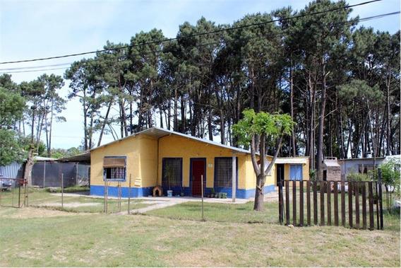 Casa De Dos Dormitorios En Marindia Con Renta