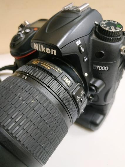 Nikon D7000 + Lente + Duas Baterias + Grip + Acessórios