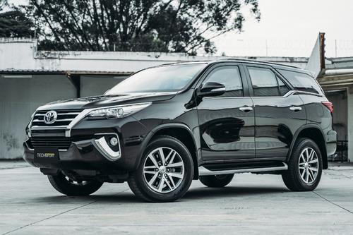 Imagem 1 de 7 de Toyota Hilux Sw4 2.8 Srx Diesel 7 Lugares - 2017