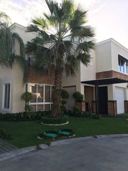 Hermosa Residencia En Isabel Villa