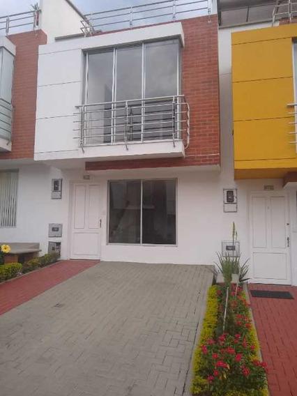 Se Renta Casa Bulevar De Las Villas