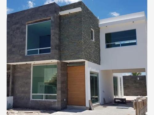 Casa Sola En Venta Villas Corregidora