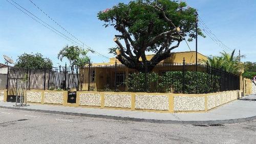 Imagem 1 de 19 de Casa Com 3 Dormitórios À Venda, 280 M² Por R$ 1.800.000,00 - Centro - Macaé/rj - Ca0037