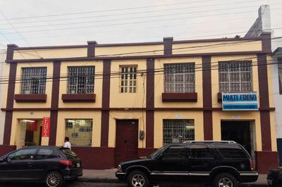Casa Comercial En El Centro De Ibarra