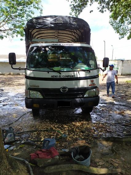 Camion Toyota Hino
