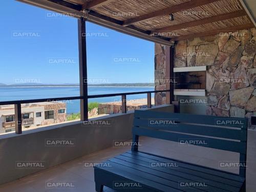 Venta De Apartamento De Dos Dormitorios Con La Mejor Vista Hacia El Atardecer, Punta Ballena- Ref: 30673
