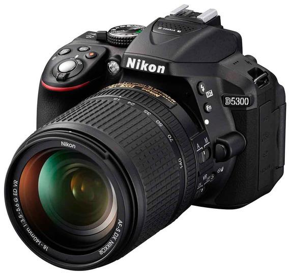 Nikon D5300 + Kit 18-140mm - 24mp