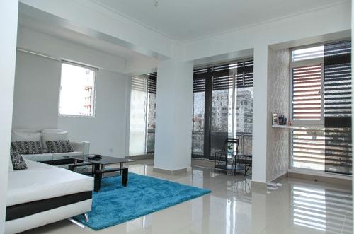 Evaristo Morales, Apartamento Con Espacios Bien Distribuidos