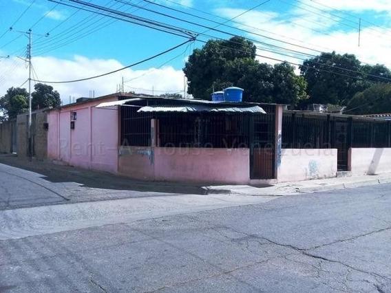 Casa En Venta Urb La Esmeralda Mls 20-9179 Jd