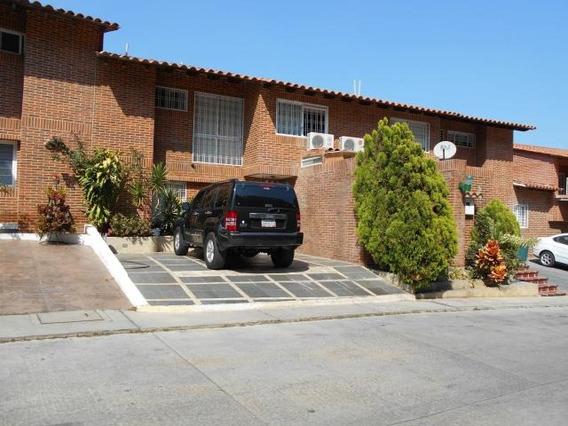 Townhouse En Venta Loma Linda Mb1 Mls19-5114