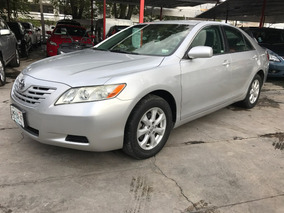 Toyota Camry 2.4 Le Mt