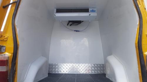 Imagem 1 de 11 de Fiat Fiorino 1.3 Flex 2011 Amarela Refrigerada Novo