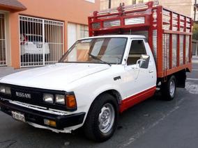 Nissan Pick-up Estaquitas Estacas