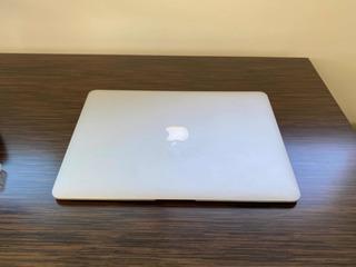 Aplle Macbook Air 13 I5 1,4ghz 4gb Hd256gb Nueva