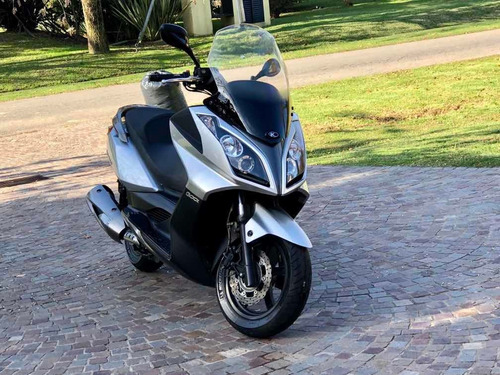 Kymco Downtown 300i Scooter