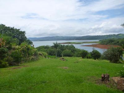 Finca De 15 Ha Frente Al Lago Arenal