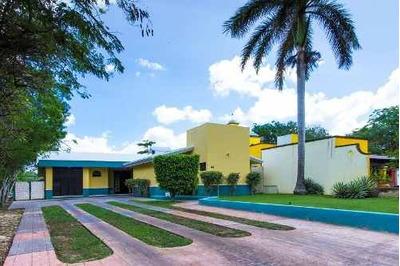 Venta Hermosa Residencia En Club De Golf La Ceiba