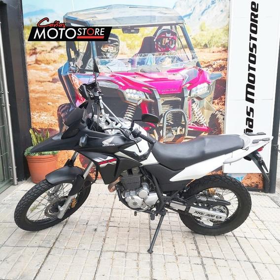 Honda Xre 300 Blanco Negro 2016