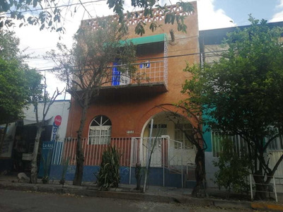 Casa En Venta A Una Cuadra De La Alamedaen Colonia Héroes