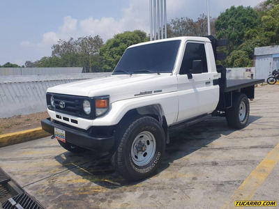 Toyota Macho Pick-up 4x4
