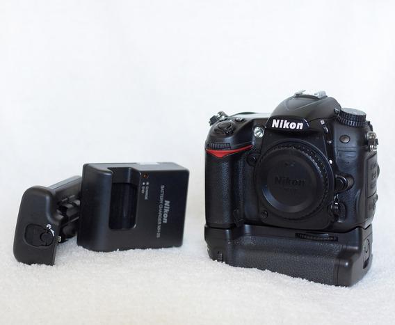 Corpo Nikon D7000 Com Grip.