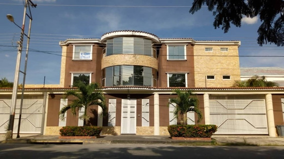 Casa Quinta / Jessika Cedeño 04121368338