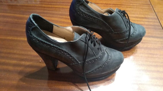 Zapatos Acordonados Picados Nro 37/8