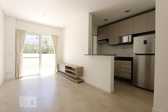 Apartamento No 1º Andar Com 1 Dormitório E 2 Garagens - Id: 892949006 - 249006