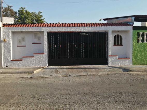 Casa En Venta En Vergel Iii, Mérida, Yucatán, 3 Recámaras