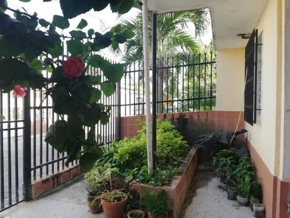 Casa En Venta Centro Barquisimeto 20-5336 J&m 04121531221