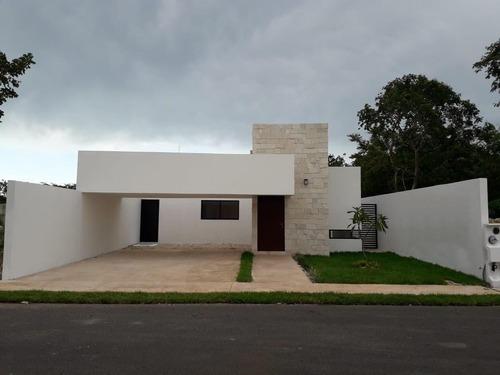 Casa En Venta En Merida, Privada Zelena Conkal, Entrega Inmediata Es De Un Piso