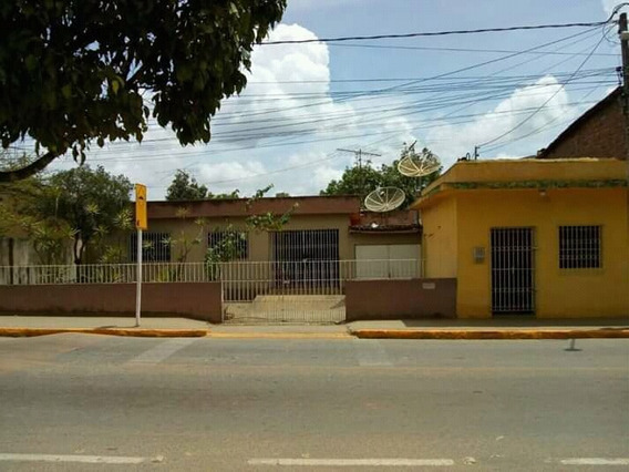Vendo Duas (02) Casas No Centro Comercial De Alianca