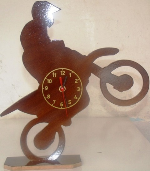 Relógio Moto Mdf