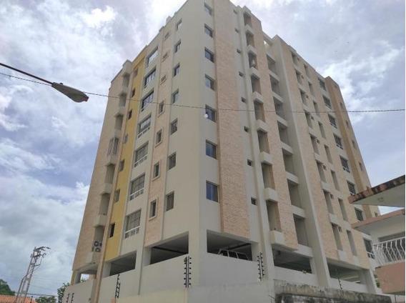 Apartamento En Venta Urb. La Esperanza Cód: 21-7196mfc