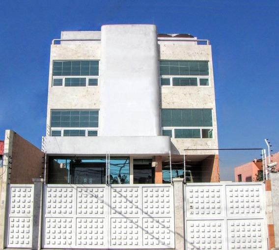 Edificio En Renta Cerca De Plaza Cristal