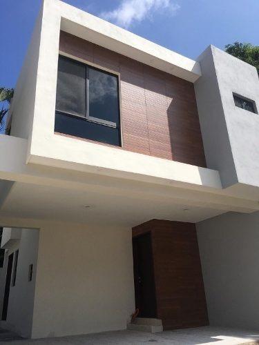 Modernas Casas En Venta, Col. Las Cochitas, Ciudad Madero, Tamaulipas.