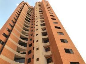 Apartamento En Venta En Las Chimeneas Valencia 20-6394 Valgo