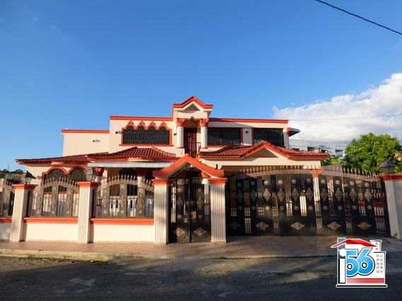 Esplendida Casa En La Urbanización Toribio Piantinis.