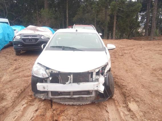 Sucata Toyota Etios 2016/2017 1.5 Sd X 15l Mt Retirada Peças