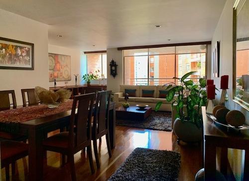 Excelente Apartamento En Club House