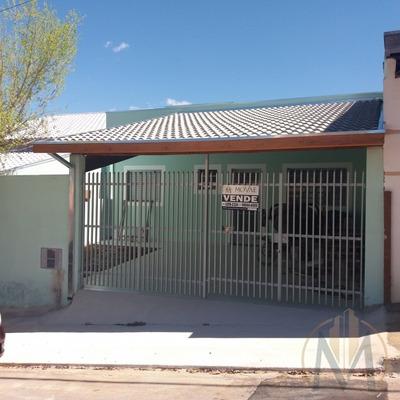3 Dormitórios, 1 Suíte, Quintal Grande E Garagem Coberta - Ca2442