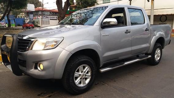Toyota Hilux 2.7 Cabina Doble 2015