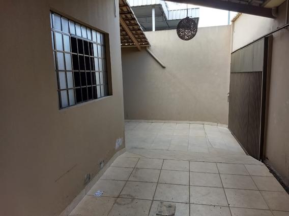 Casa Com 3 Quartos Para Comprar No Santa Rosa Em Divinópolis/mg - 242