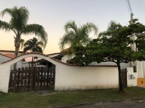 Casa Na Praia Com 2 Dormitórios Em Itanhaém/sp 7011-pc