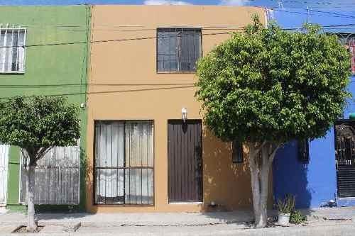 Casa Sola En Venta En Álamos 3a Secc, Celaya, Guanajuato