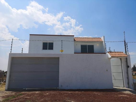 Casa En Venta En Texcoco Con 3 Recamaras Y 2.5 Baños