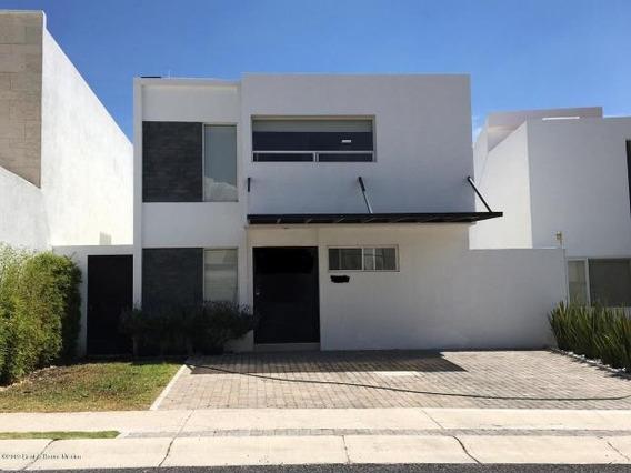 Casa En Renta En Misión San Jerónimo # 19-2042